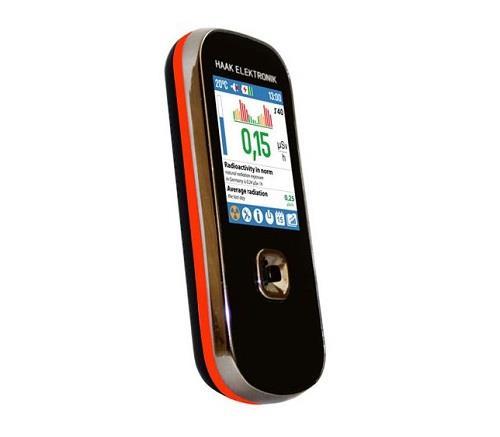Ключевое достоинство дозиметра SMG-1 видно невооруженным глазом: прибор вполне можно принять за обычный сотовый телефон
