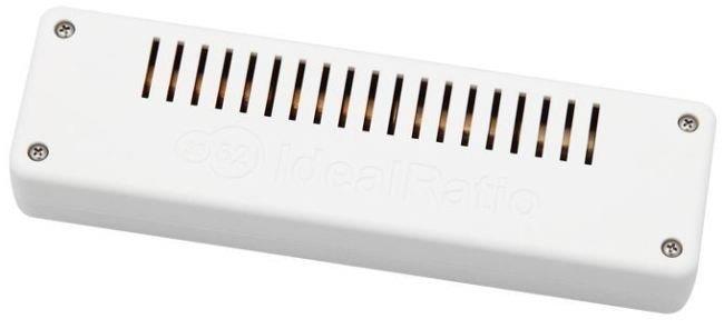Встроенный счетчик дозиметра контактирует с окружающим воздухом через отверстия на задней панели прибора