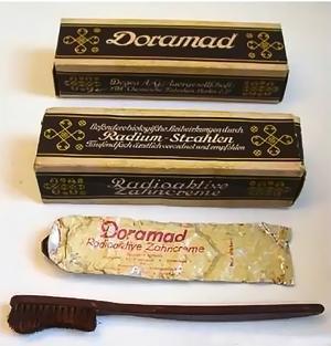 Радиоактивная парфюмерия была популярна в 1920-1940-х годах